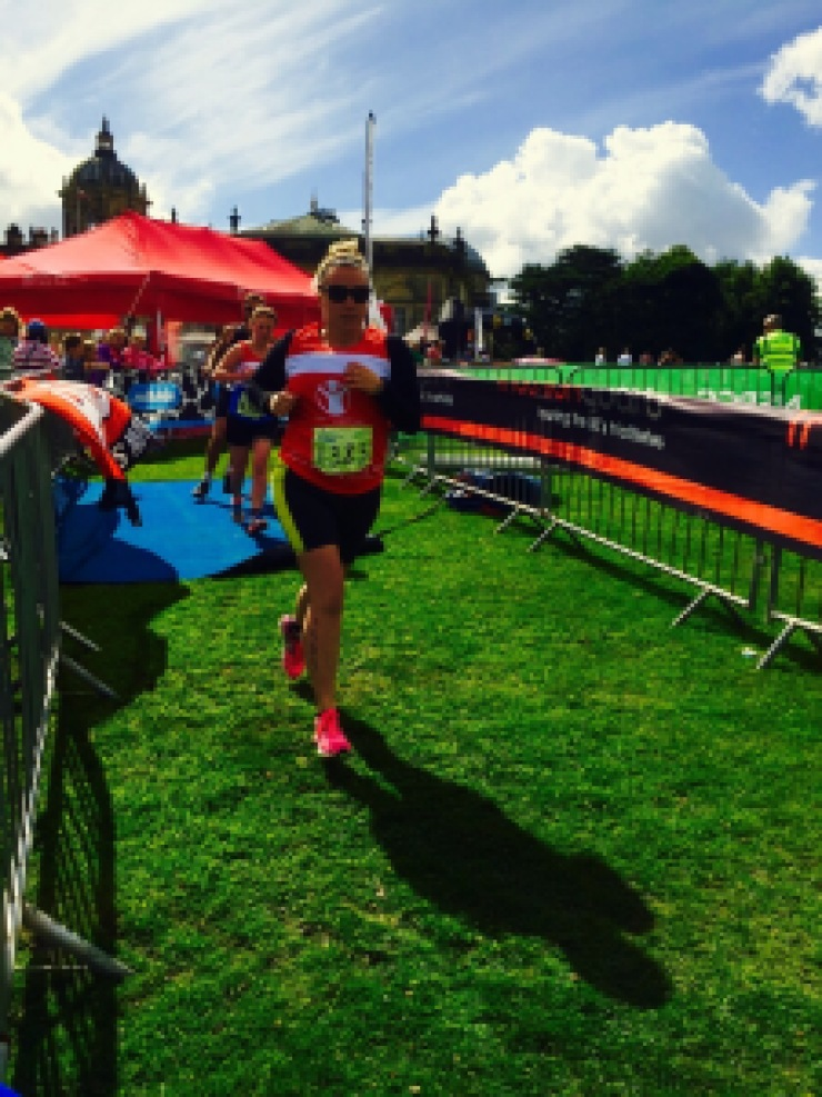 girl running, castle howard triathlon