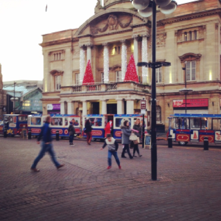 queen victoria square, city centre, hull, uk