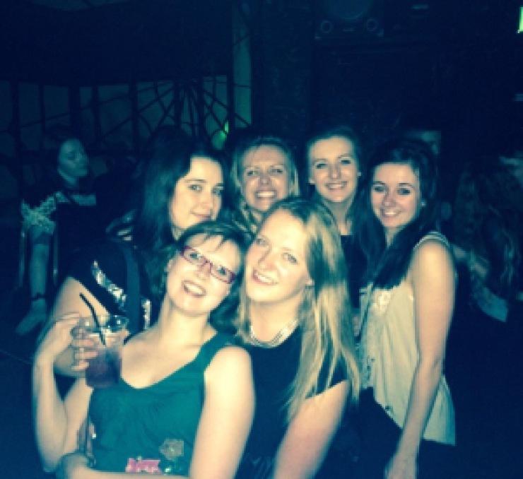 girls, friends, spiders, hull