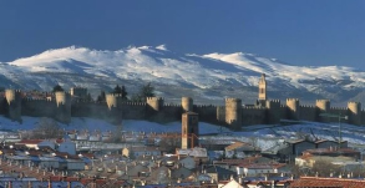 Avila during the Day #Spain #Avila #snow #mountains #beautiful