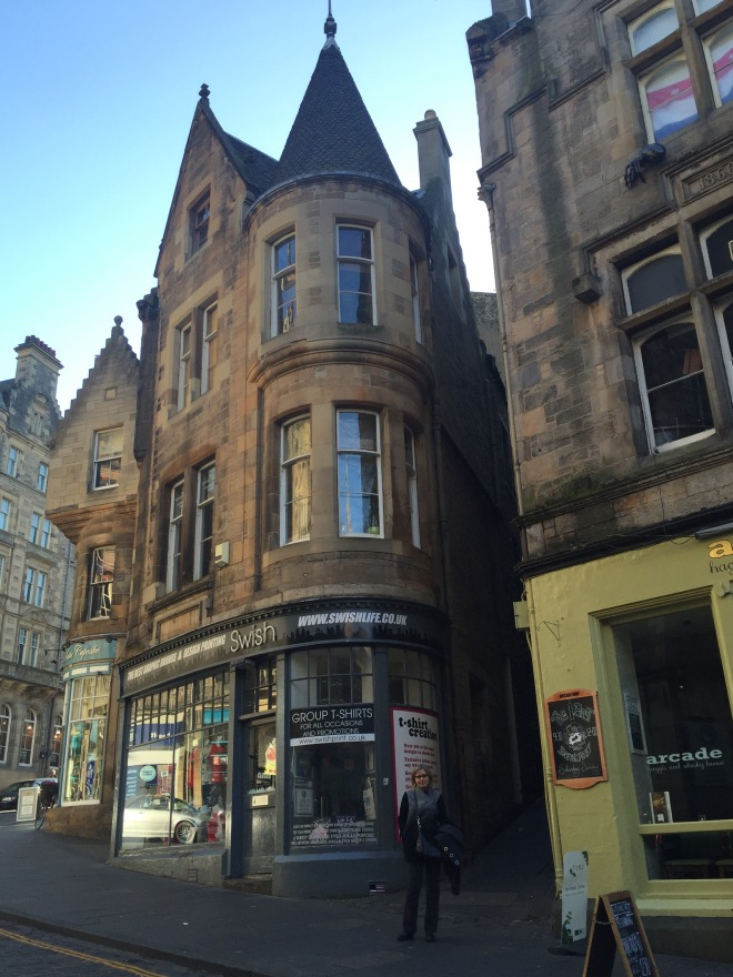 beautiful streets in Edinburgh